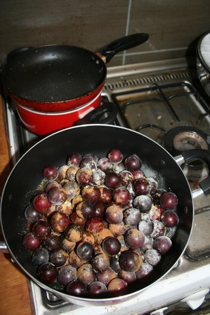 Plums on the hob
