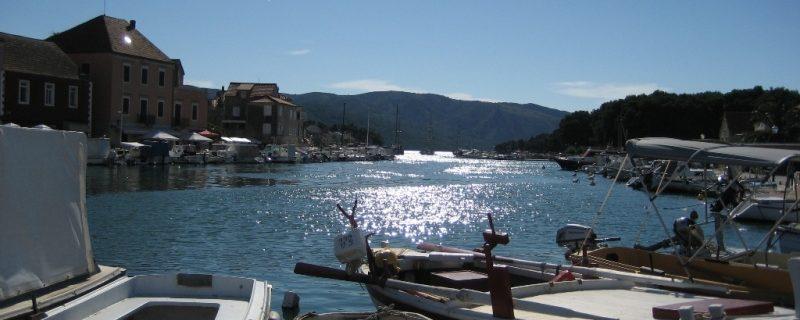 Stari Grad harbour